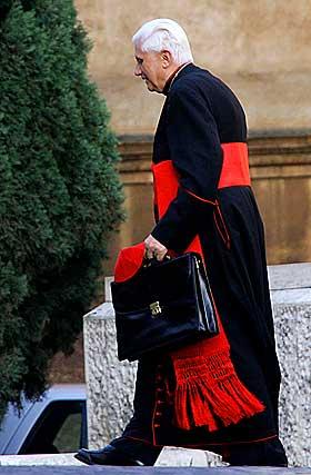 Joseph_Ratzinger_cardinal4