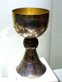 Eucharist_chalice,_Braunschweig,_1909_AD,_silver,_gold,_precious_stones_-_Braunschweigisches_Landesmuseum_-_DSC04912